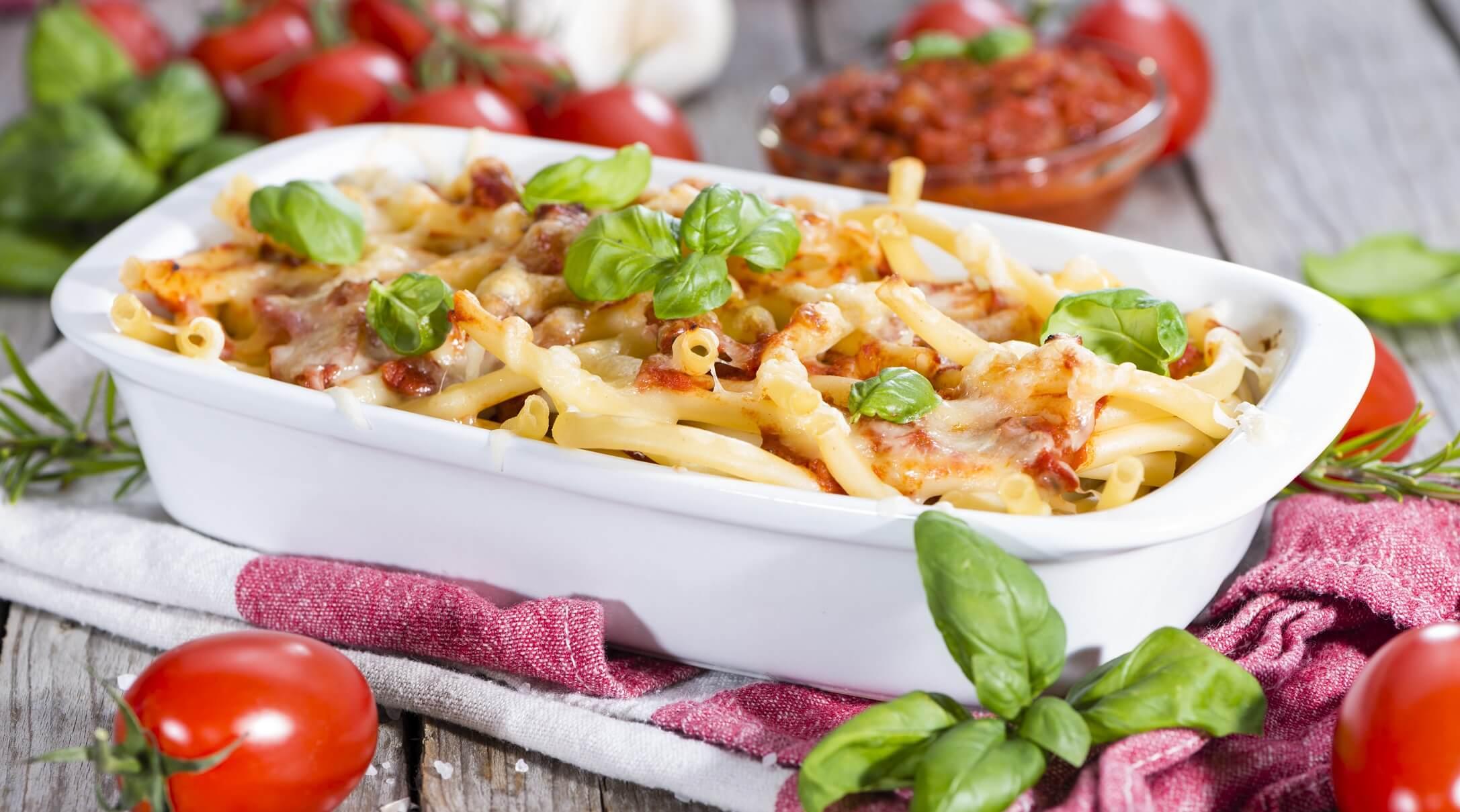 Nudelauflauf-Rezept-mit-Hackfleisch-Gemuese-vegetarisch-vegan-Schinken-Brokkoli
