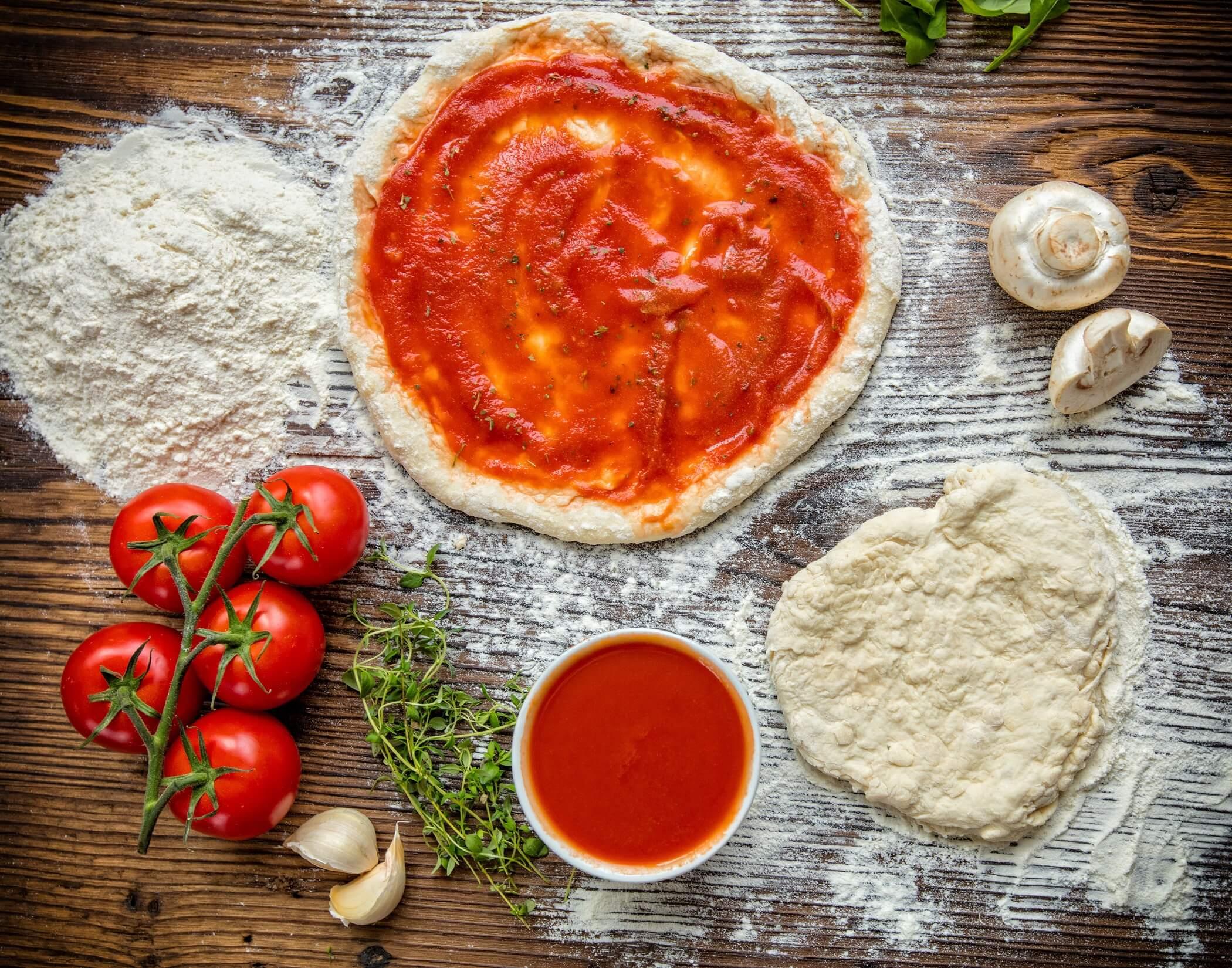 Pizzateig-Rezept-ohne-Hefe-und-klassisch
